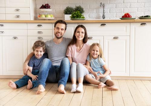 Homecare2 - Family keeping warm